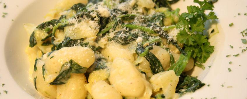 Gnocchi mit Spinat-Käse-Soße