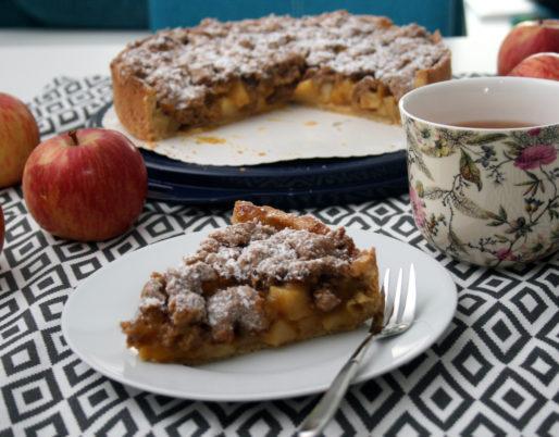 Streuseliger Apfelkuchen mit Zimtnote (vegan)