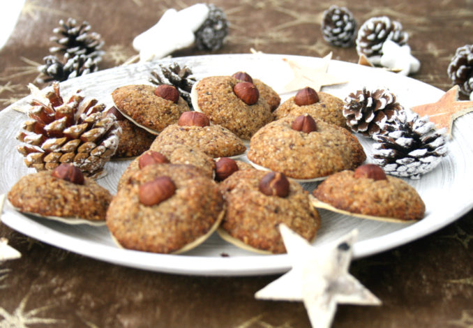 Weihnachtsplätzchen Haselnussmakronen.Feine Vegane Haselnussmakronen