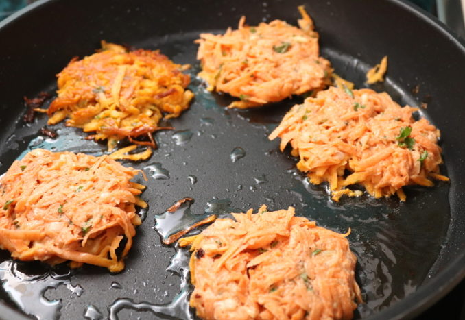 vegane Süßkartoffelpuffer